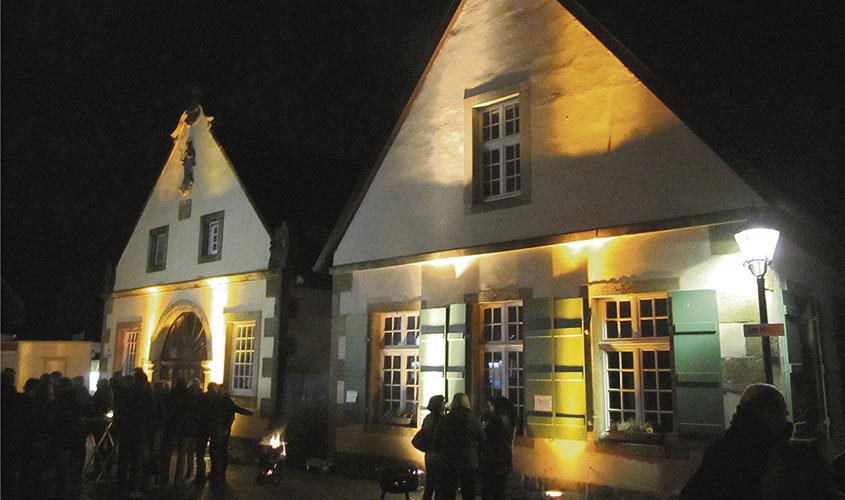 Kalle Niedersachsen Weihnachtsbeleuchtung.Bevergern Glüht Und Der Martinimarkt Laden Ein